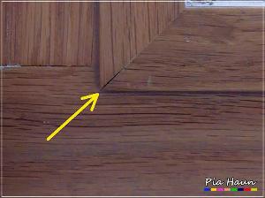 Abb. 2 | geöffnete Gehrungsfuge am Treppenhausfenster