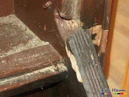 Verdacht auf gesundheitsschädliche Holzschutzmittel | Probennahme von Holzschutzmitteln  | Foto: © Ingenieurbüro Pia Haun - Trier