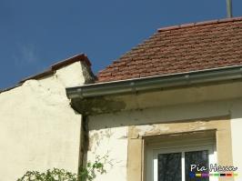 Wohnhaus in Bollendorf    Befall der Dachkonstruktion sowie eines Fenstersturzes durch Holz zerstörenden Pilz, Foto: © Ingenieurbüro Pia Haun - Trier