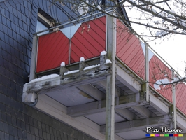 Balkonverbreiterung   sichtbare, schwere Bauschäden   Einsturzgefahr   Foto: © Ingenieurbüro Pia Haun - Trier