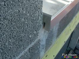mangelhafter Einbau von Fensterbänken, Foto: © Ingenieurbüro Pia Haun - Trier